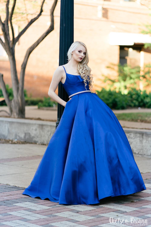 senior-model-blue-prom-gown