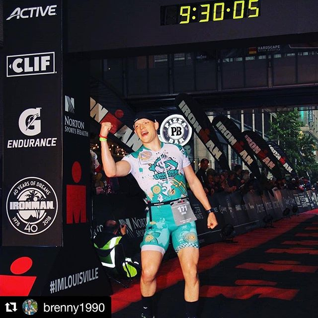 And just like that, John is back where he deserves to be #dedication #victorylap #endofseason #ironmantri #goals #noquit #triathlon #teamunicornsparkleadventure 🦄