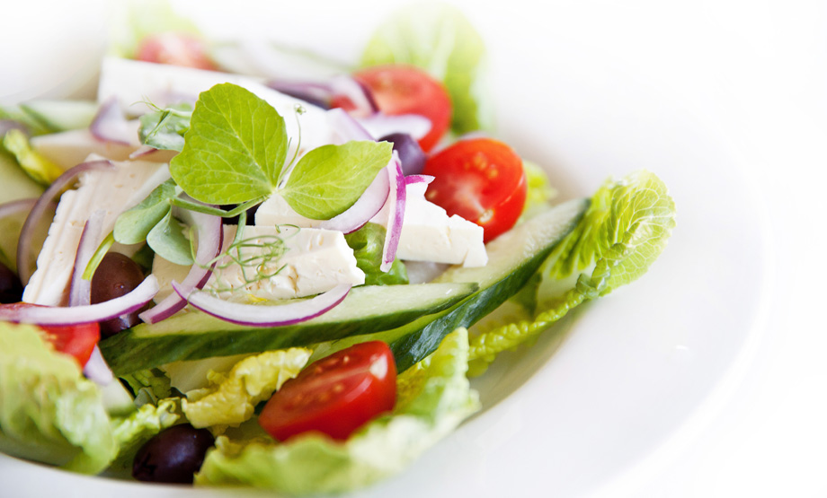 greeksalad_920x555.jpg