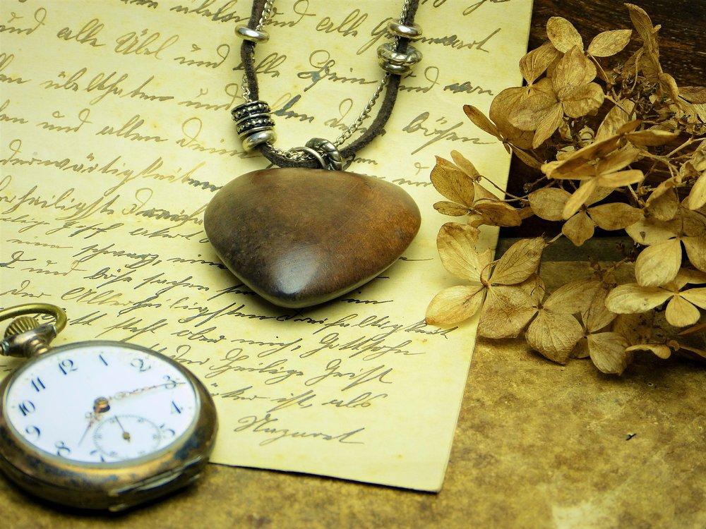 heart-1936034_1920.jpg
