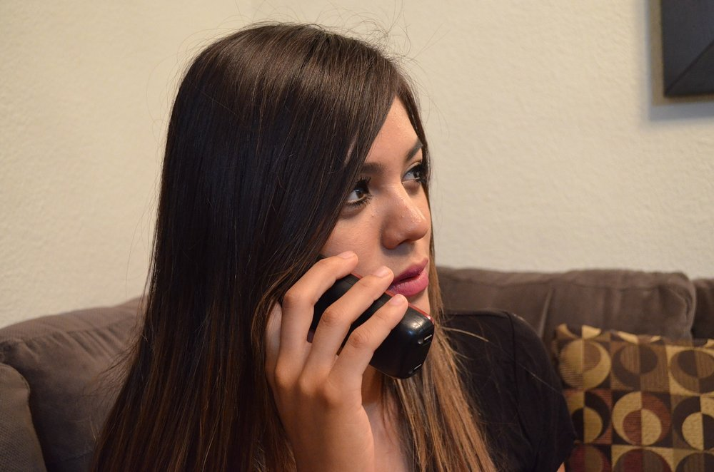 telephone-2817221_1920.jpg