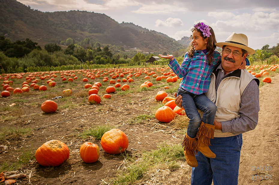 0024_cumple_suegro_bates-nut-farm-pumpkin-patch_101013-edit
