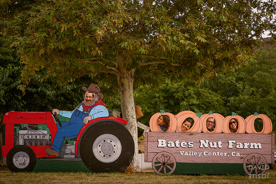0091_cumple_suegro_bates-nut-farm-pumpkin-patch_101013-edit
