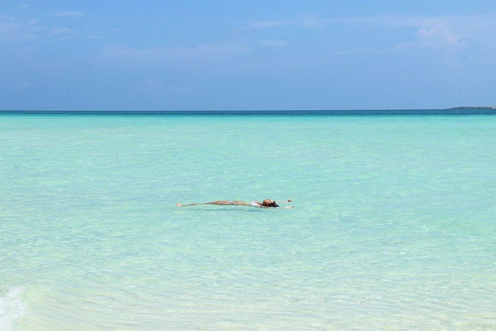best-beach-wedding-photographer-cuba-aloha-zoe-photography