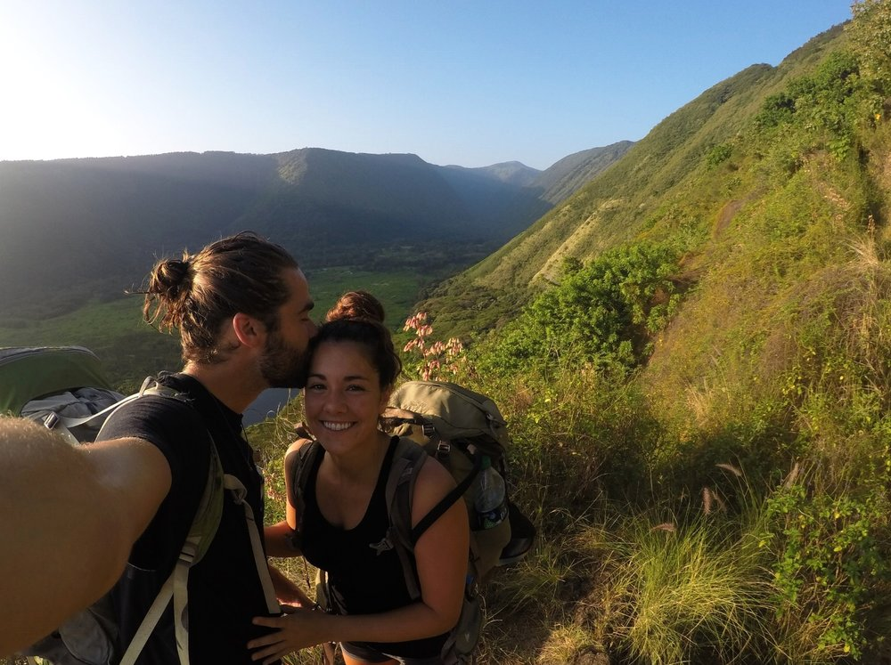 adventure-elopement-photographer-waimanu-valley