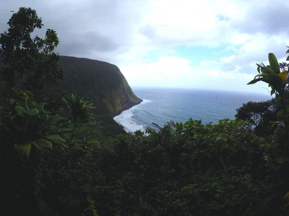 best-hike-big-island-hawaii-waimanu-valley