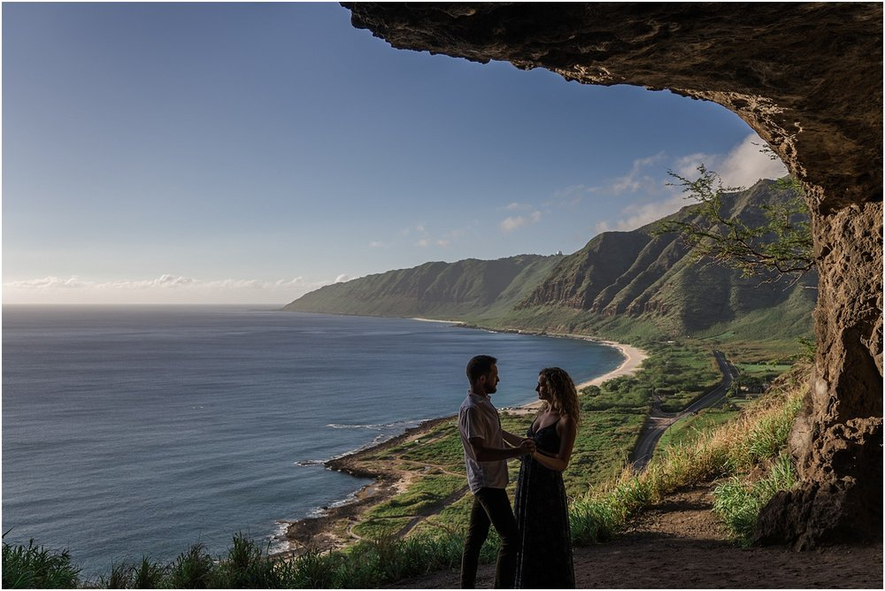 oahu-adventure-engagement-photography-session1.jpg