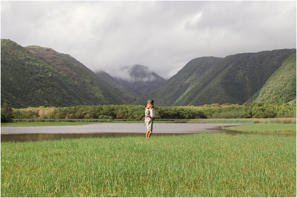 Hawaii-Valley-Adventure-Session-photos-by-Aloha-Zoe-Photography-6.jpg