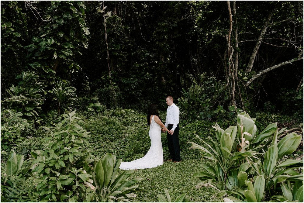 oahu-intimate-bridal-adventure-session_0007.jpg