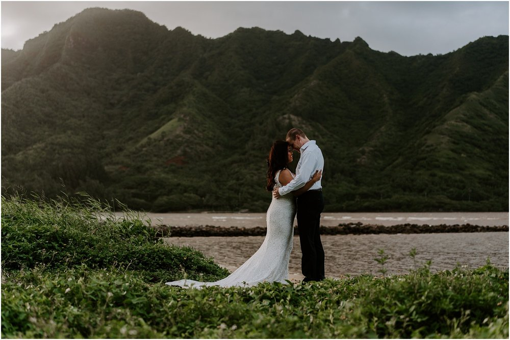 oahu-intimate-bridal-adventure-session_0014.jpg