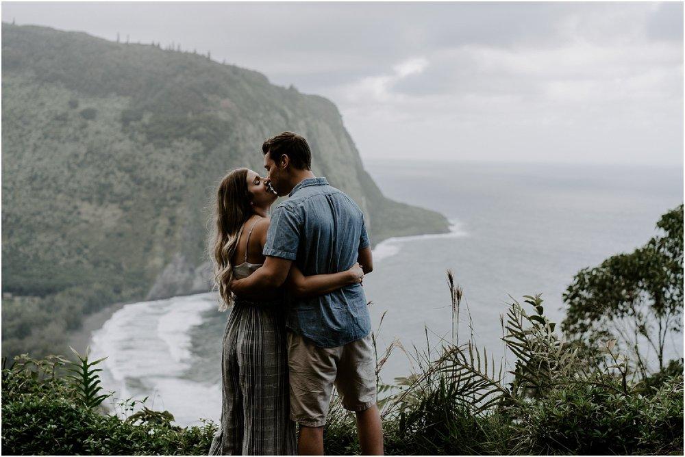 hawaii-adventure-session-alohazoephotography-waipio-valley_0002.jpg