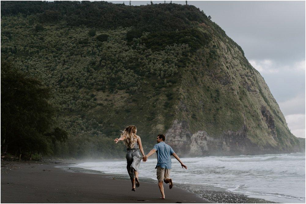 hawaii-adventure-session-alohazoephotography-waipio-valley_0012.jpg