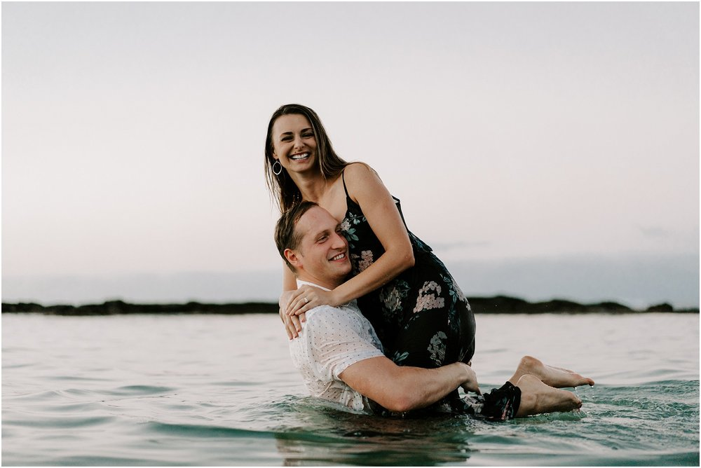 hawaii-elopement-photographers-water-photoshoot_0014.jpg