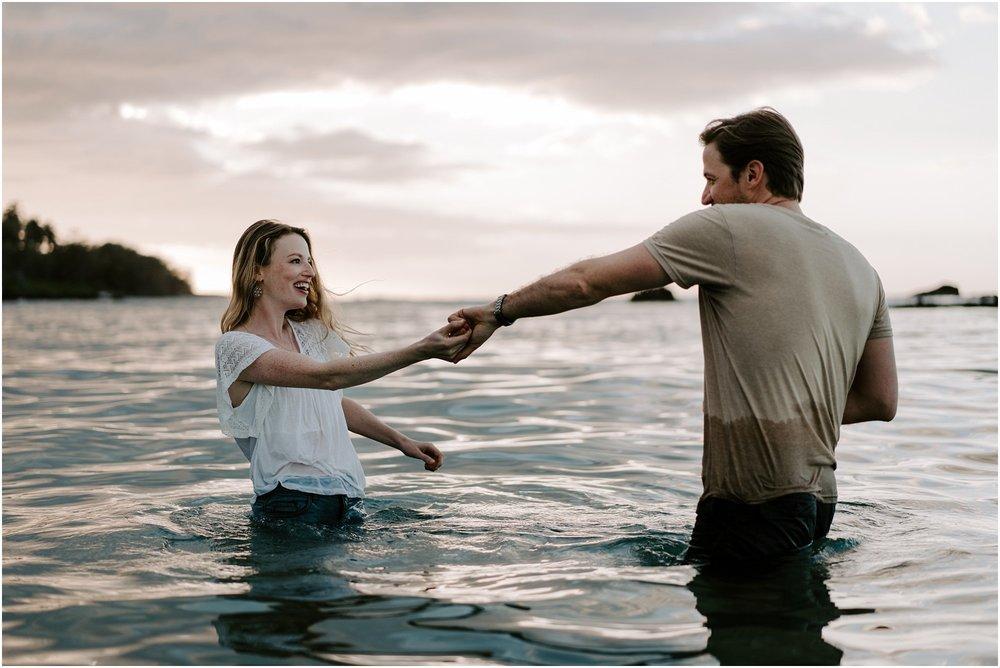 hawaii-elopement-photographer-sunset-couples-session_0018.jpg