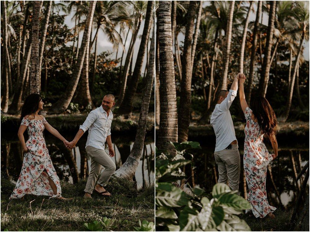 hawaii-elopement-photographer-beach-couples-session_0003.jpg