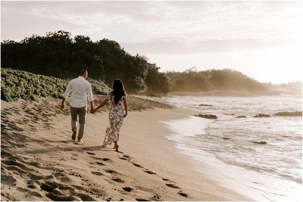 hawaii-elopement-photographer-beach-couples-session_0004.jpg