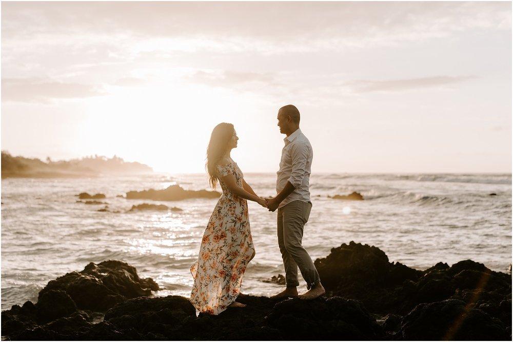 hawaii-elopement-photographer-beach-couples-session_0011.jpg