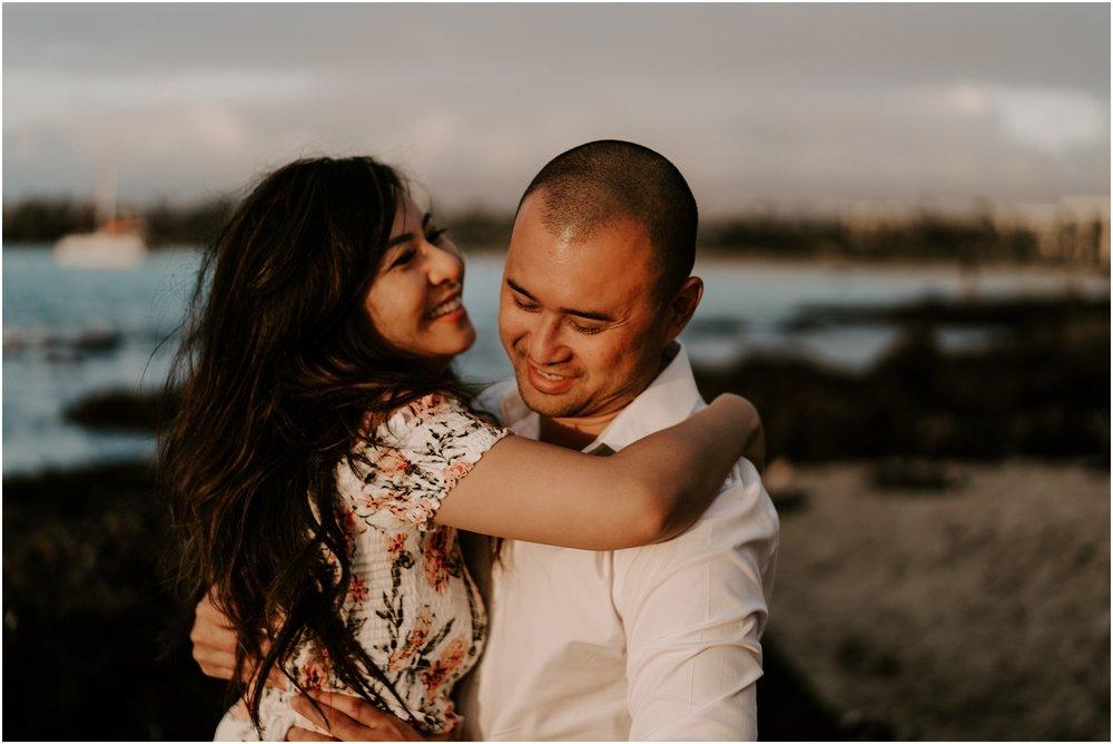 hawaii-elopement-photographer-beach-couples-session_0014.jpg