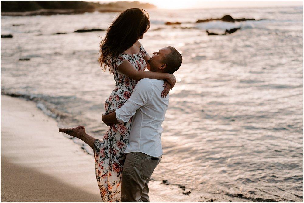 hawaii-elopement-photographer-beach-couples-session_0018.jpg