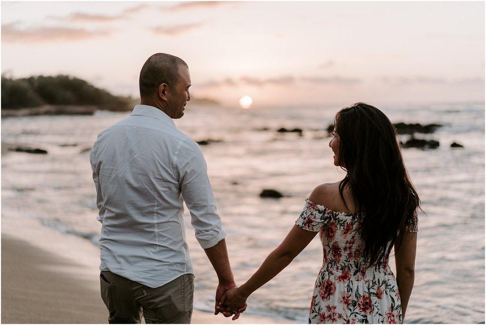hawaii-elopement-photographer-beach-couples-session_0024.jpg