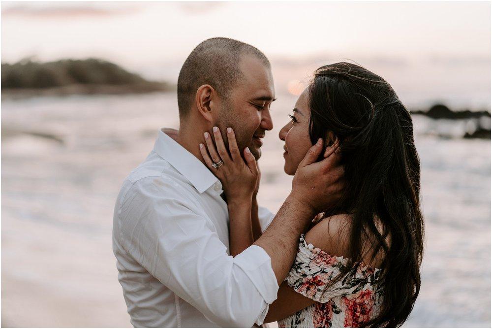 hawaii-elopement-photographer-beach-couples-session_0025.jpg