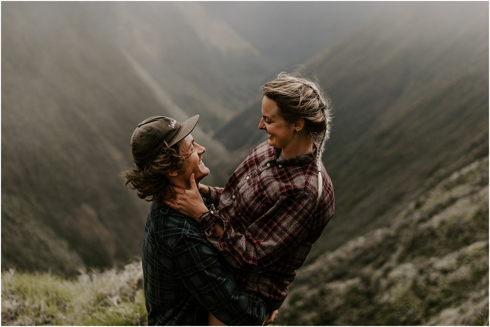 valley-adventure-session-hawaii-elopement-photographer_0008.jpg