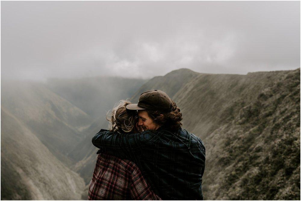 valley-adventure-session-hawaii-elopement-photographer_0011.jpg
