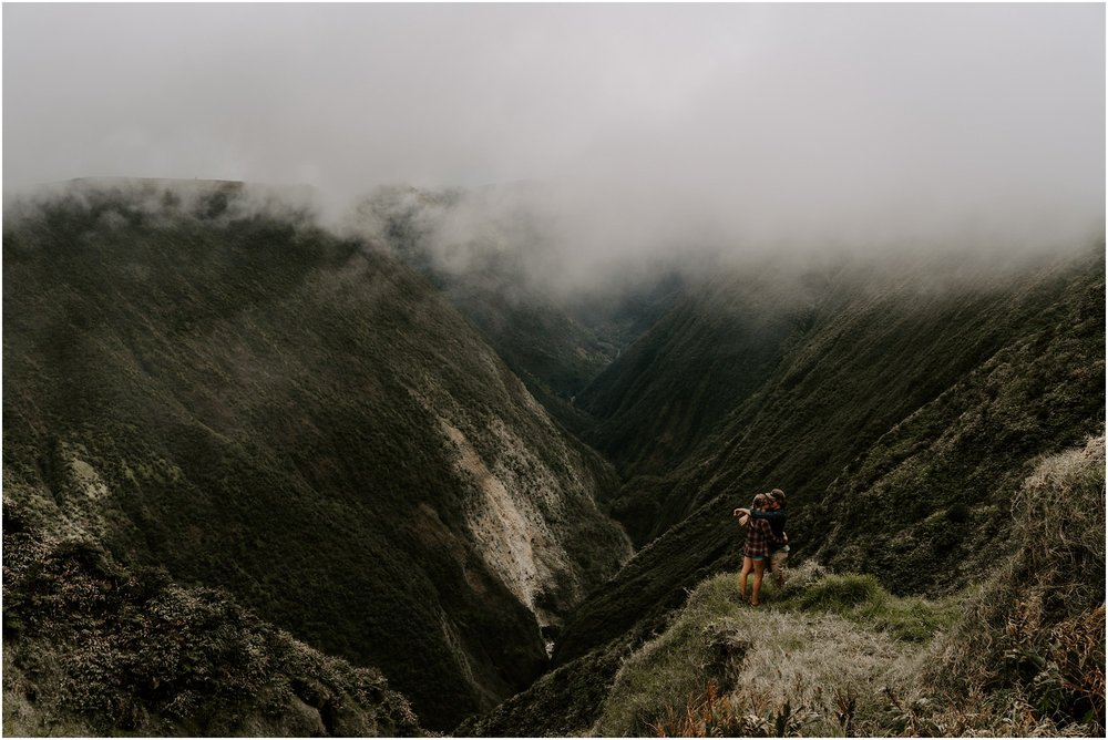 valley-adventure-session-hawaii-elopement-photographer_0028.jpg