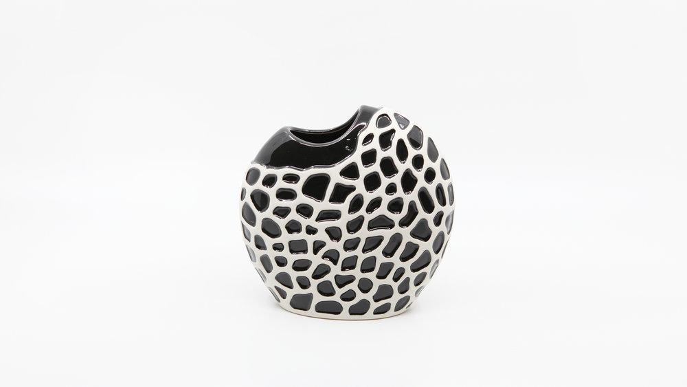 Foldio3_sample shot (pottery).jpg
