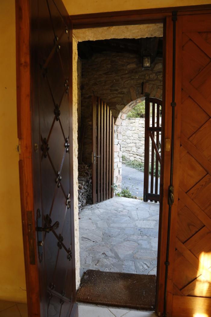 entryway pic.jpg