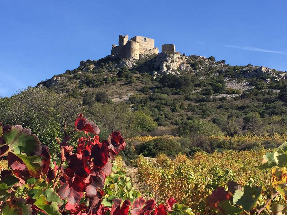 Visit the stunning Cathar castles on your photography adventure with Maison des Rêves.