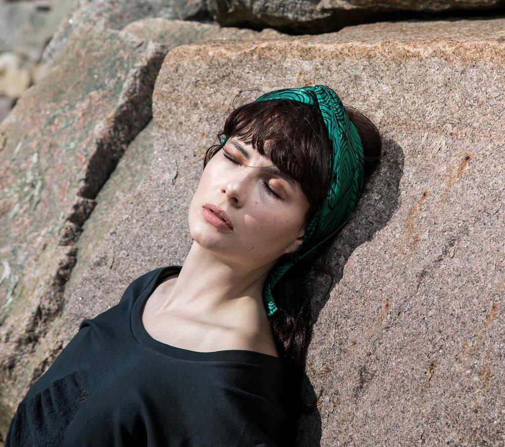 newgrange_headscarf 2.jpg