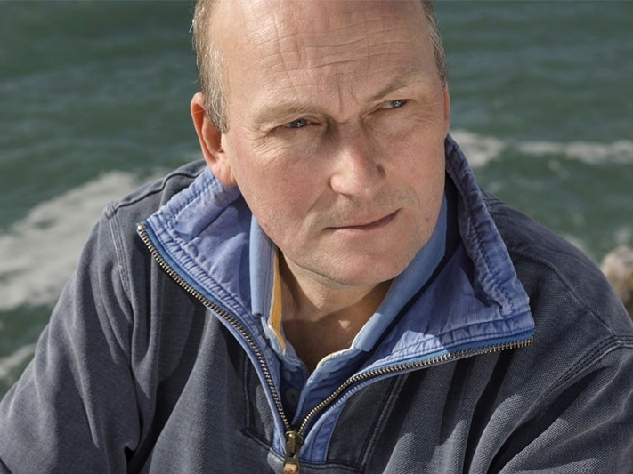 Dr. Richard Thompson OBE Marine biology to behaviour change 'Godfather of micro plastics research'. Plymouth University