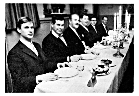 Högtidssessionen på kvarterskrogen Ceasar 1968. Inval av Sten Kärrby.