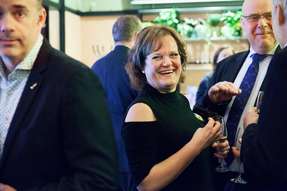 Pour le Mérite Lotta Hultén var glad i mat och i Stefan Karlsson