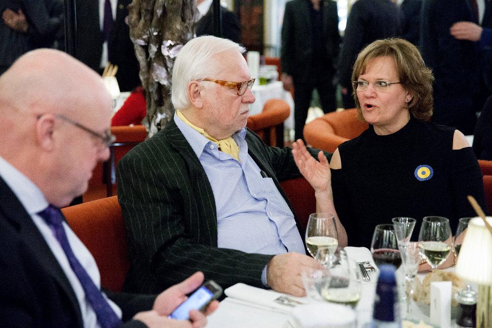 Leif Mannerström i samtal med Lotta Hultén
