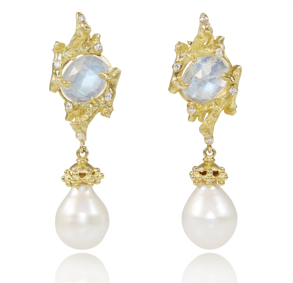 REEF FRESHWATER PEARL EARRINGS