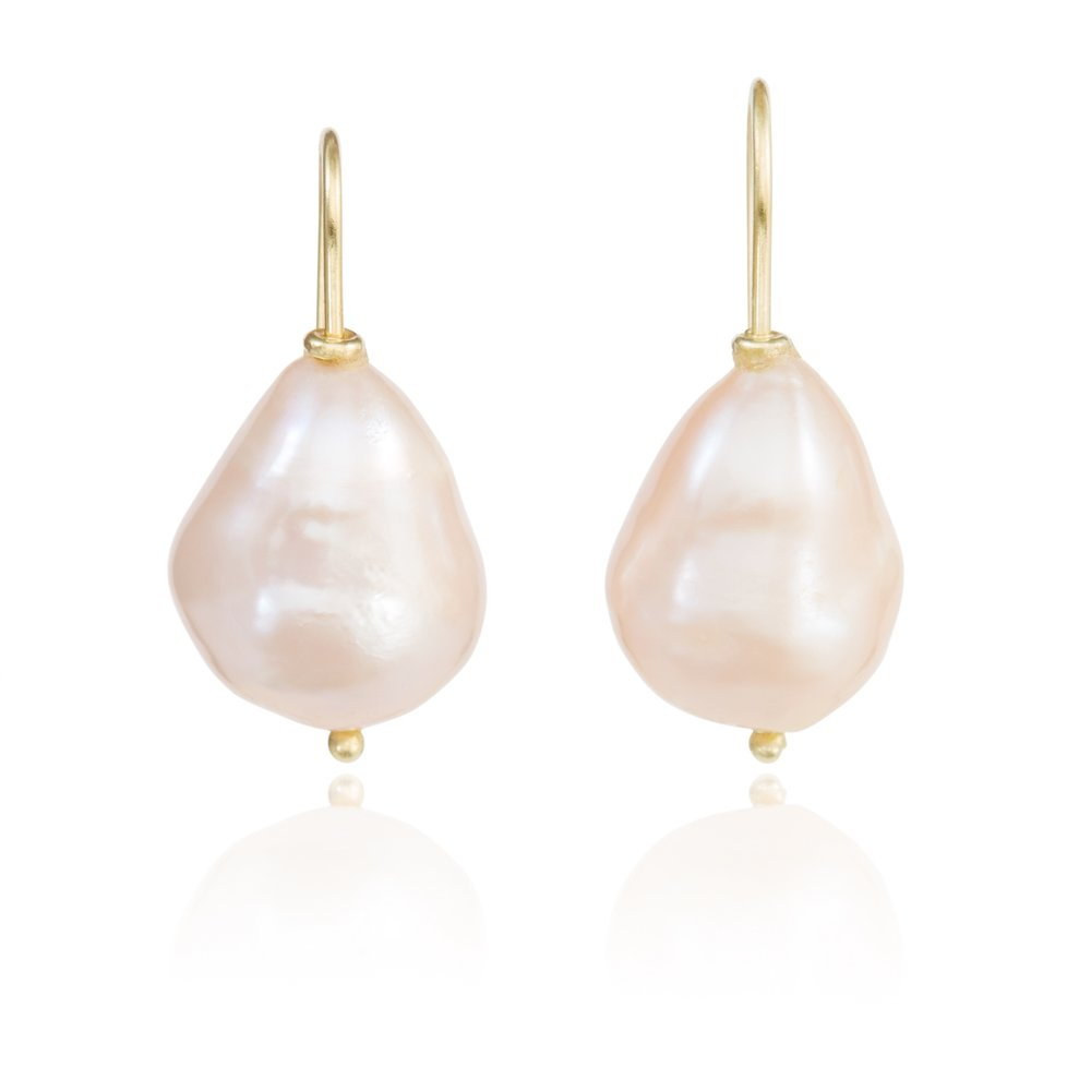 14_Mary_Peach_FWP_Earrings_11202_SCREEN_72dpi_2000px_sRGB.jpg