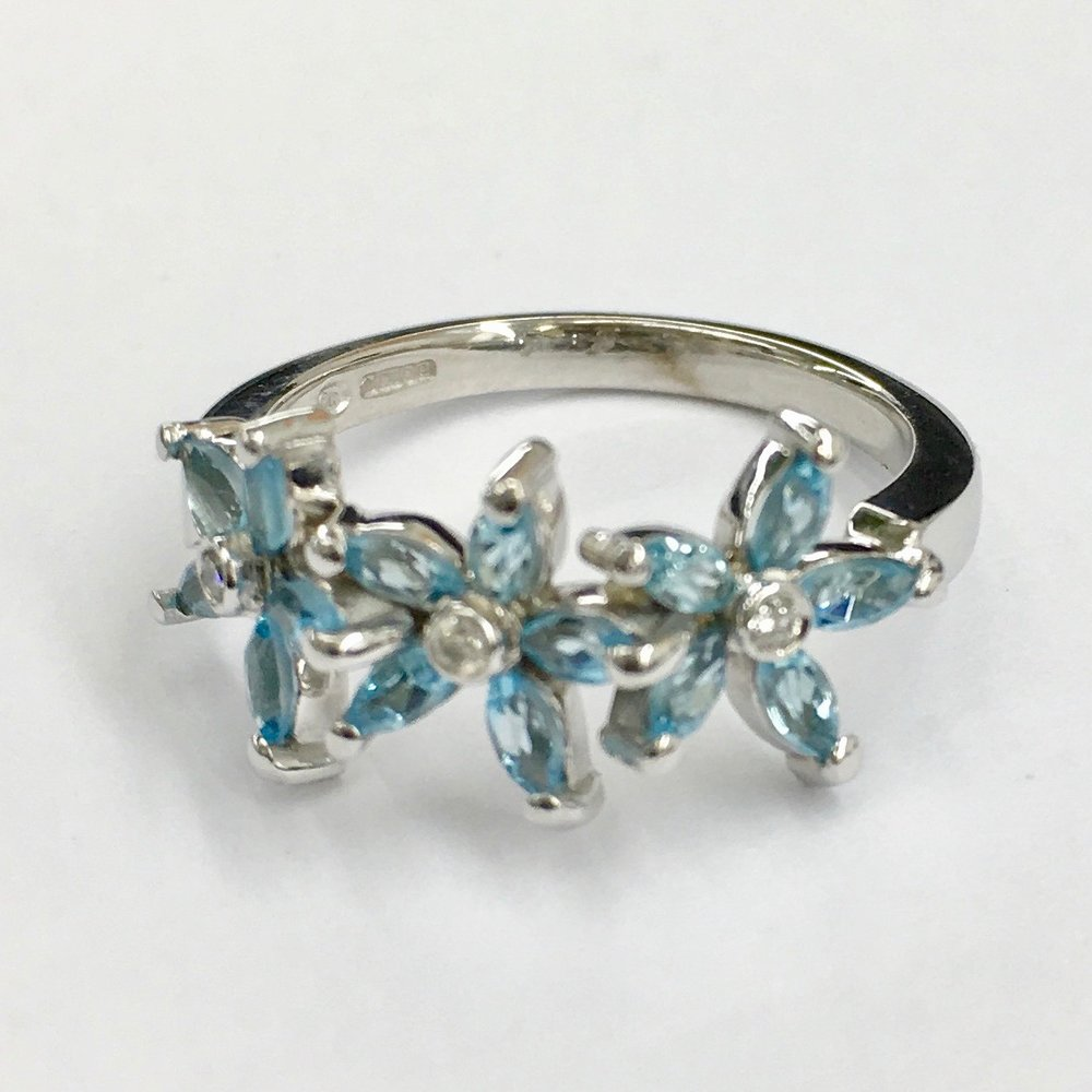 Triple flower aqua & diamond ring.jpeg