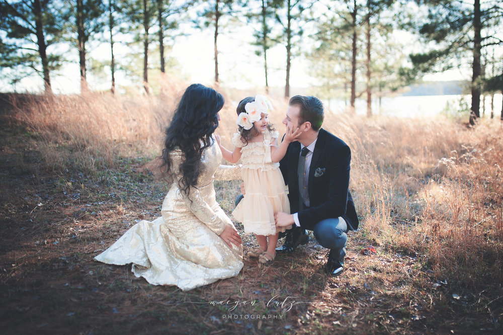 French-Family-Sunset-Photo-Session_NEPA-Photographer_Maeganlutzphotography-112-Edit.jpg