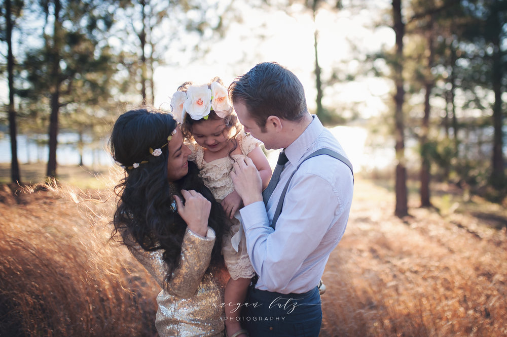French-Family-Sunset-Photo-Session_NEPA-Photographer_Maeganlutzphotography-767-Edit-2.jpg