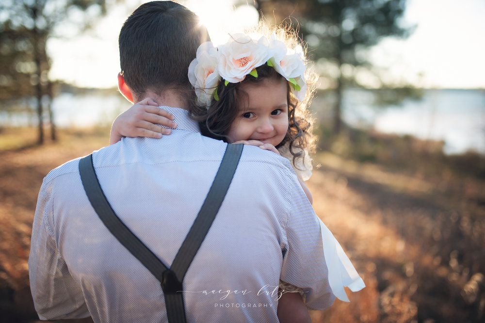 French-Family-Sunset-Photo-Session_NEPA-Photographer_Maeganlutzphotography-871-Edit.jpg