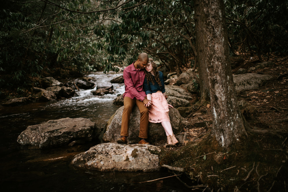 Naomi & Matthias - Hickory Run Hawk Falls Engagement Session