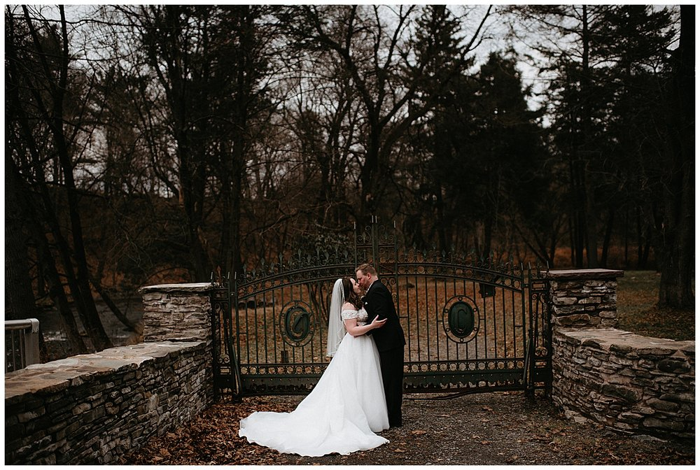 NEPA-wedding-photographer-in-Eastern-PA-the-lands-at-hillside-farm-Shavertown-PA_0041.jpg