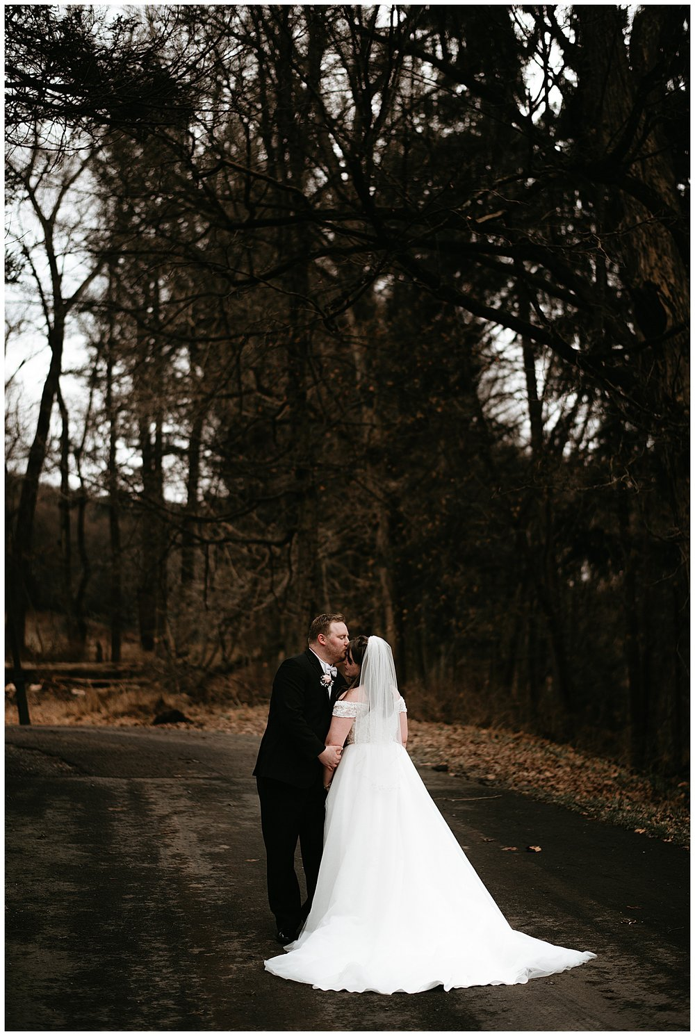 NEPA-wedding-photographer-in-Eastern-PA-the-lands-at-hillside-farm-Shavertown-PA_0055.jpg