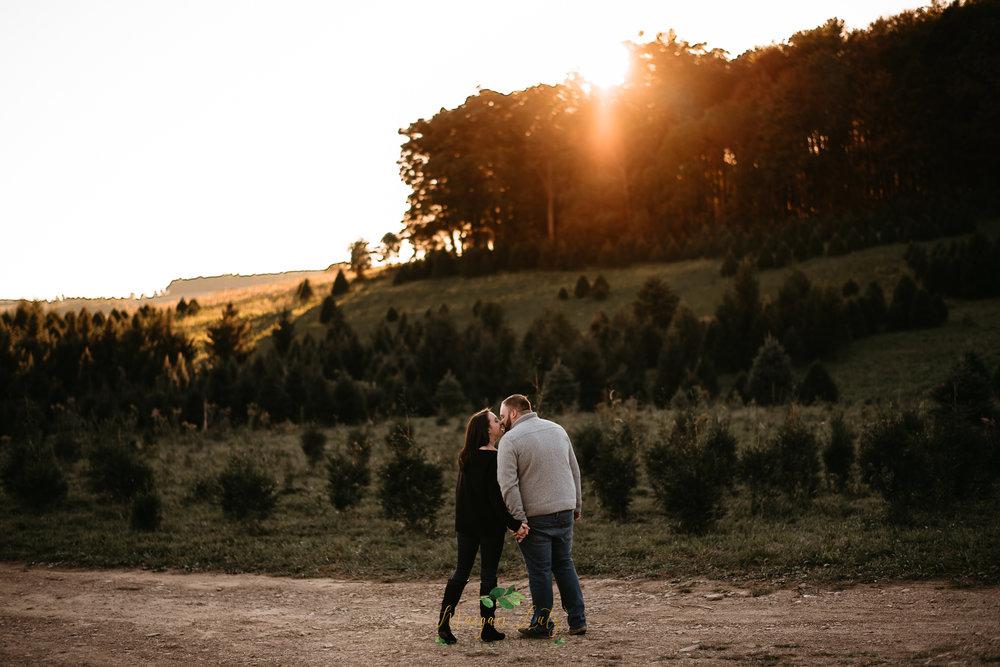 Poconos-NEPA-Wedding-Engagement-Photographer-session-at-Blue-Ridge-Estate-Vineyard-Winery-12.jpg
