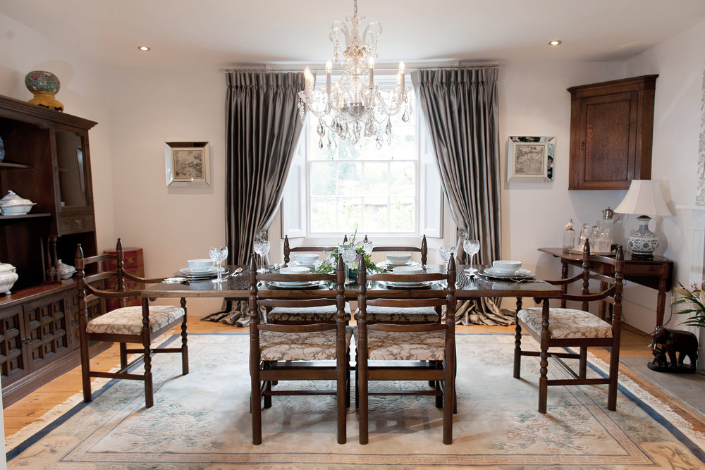 The fully furnished dining room