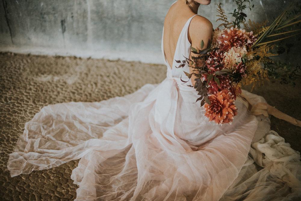 Panna Młoda i Kwiaty / Flowerish Bride