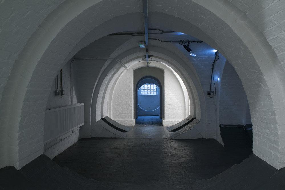 Crypt_entrance_DSC4549.jpg