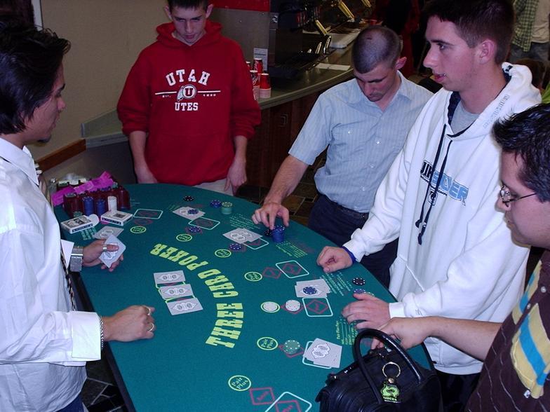 3_card_poker.jpg